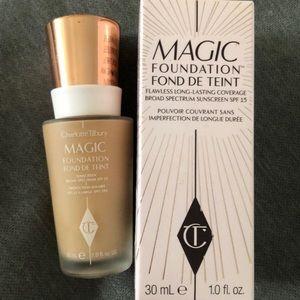 Charlotte tilbury magic foundation medium 8